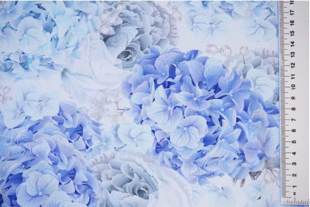 "Dressikangas hortensiad ja roosid (""aasaline"")/ French Terry"