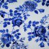 Sinised roosid valgel