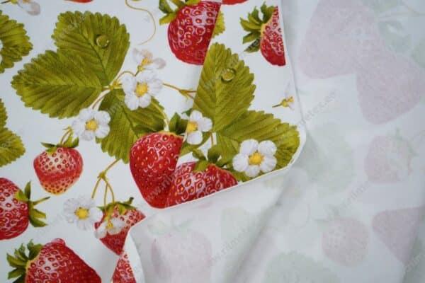 Trikotaažkangas maasikad valgel